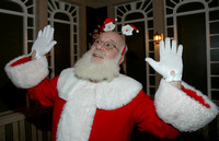 12-10-2011: PHOTOS WITH SANTA @ B'ALBIN HOTEL